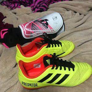 Le Adidas Gli Scarpini Da Calcio Parastinchi Poshmark